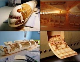 Máy bay Boeing 777 làm bằng bìa cứng